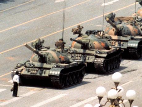 天安門事件。中国政府は、また戦車で人民を踏み潰すのか?