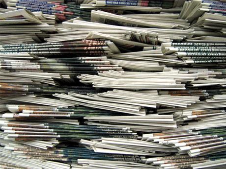 新聞社や出版社は、そのビジネスモデルと共に崩壊していく