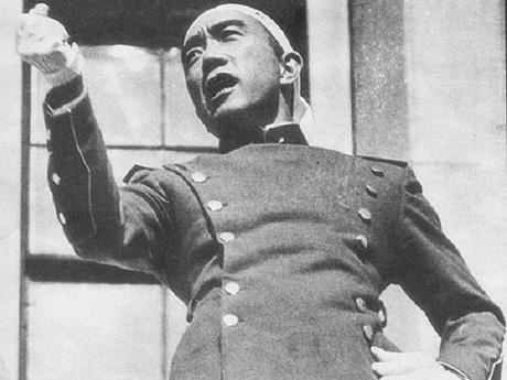 三島由紀夫は1970年に「憲法改正せよ」と訴えていたが日本人は応えなかった