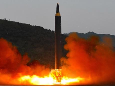 北朝鮮の核が飛んできた時、今の野党が対処できると思うか?