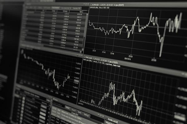 一気に儲かるのが良いのか、長期で確実に資産が増える方が良いのか?