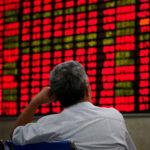 新型コロナウイルスの問題で世界的に株式が下落している中、どう動くか?