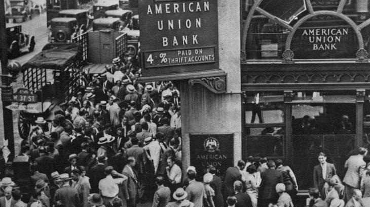 大混乱の中では、国民の生命よりも株式市場の存続の方が優先されて生き残る